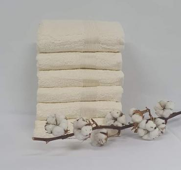 Полотенце Cottonize 100х150 однотонное 912 Молочний