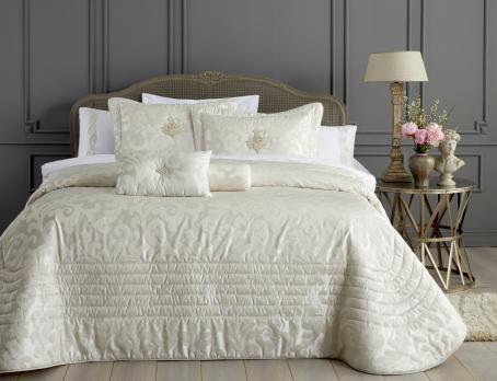 Покрывало с наволочками и подушками Pepper Home элитное 270*260 Carolyn Cream