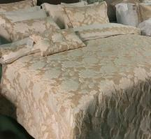 Покрывало с наволочками и подушками Pepper Home элитное 270*260 Flora Gold