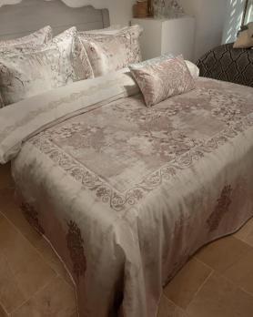 Покрывало с наволочками и подушками Pepper Home элитное 270*260 Mia Pink