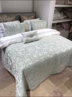 Покрывало с наволочками и подушкой Pepper Home элитное 270*260 Elegant Green